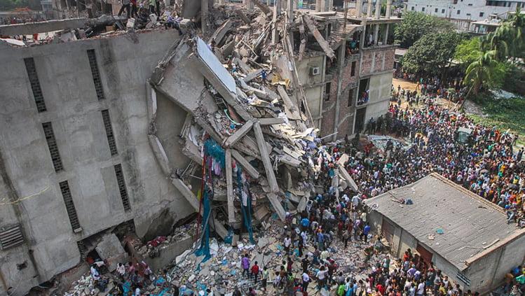 عکس ساختمان فرو ریخته رانا پلازا